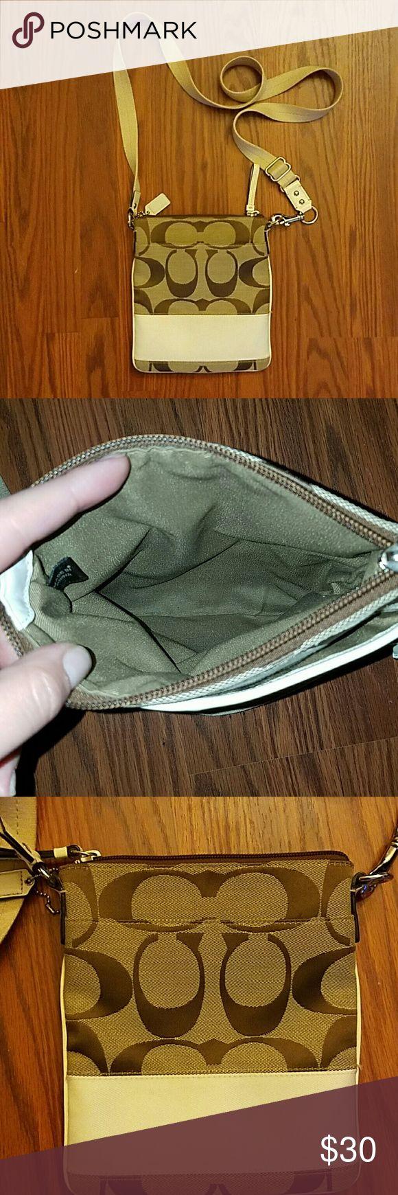 💥sale!💥 Coach swingpack Great condition coach swingpack cross body purse Coach Bags Crossbody Bags