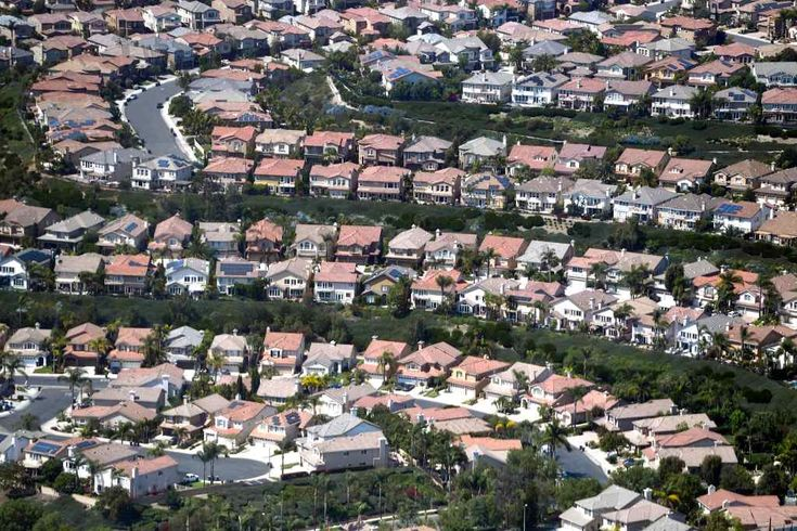Housing in Orange County, Inland Empire 'overvalued,' CoreLogic says, while LA is 'at value' (03Oct2017)