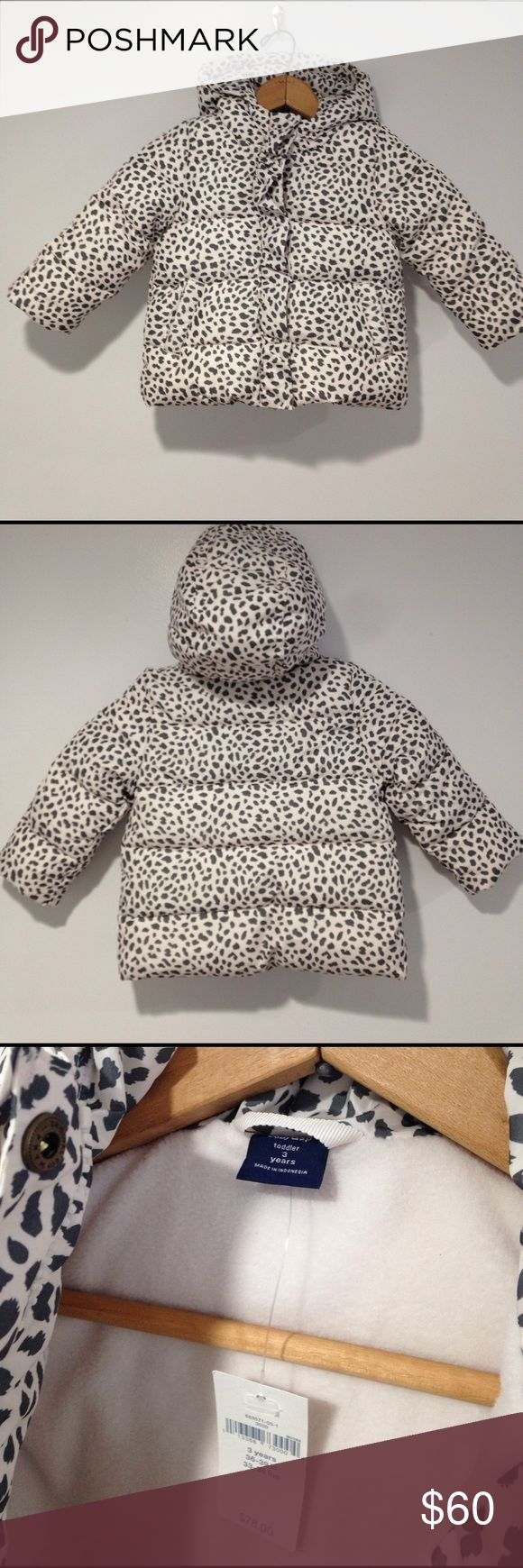 NWT Baby Gap toddler puffer coat leopard print 3t NWT Baby Gap puffer coat. This the warmest style of coat available from Gap and it's worth every penny! Would be willing to trade for equivalent type of Gap coat in 5t. GAP Jackets & Coats Puffers