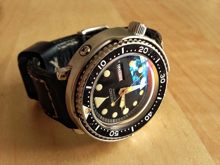Vintage Seiko 'Tuna' diver 7549-7010 with domed crystal ...