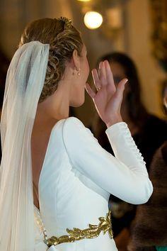 Ideal para las novias de invierno. Una preciosidad http://ideasparatuboda.wix.com