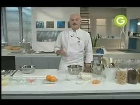 POSTRES: Masa de coco, Crema chocolate blanco, decoracion de cambur Chff. Osvaldo Gross. Prog. ElGourmet.com  https://www.youtube.com/watch?v=BXLI_Hxr9NE&list=PLjG1pSeImzYO9vx2B8qTACyEEMrM-9b_E&index=54