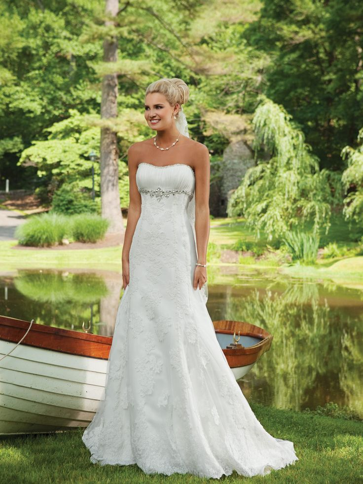 Lace A Line Strapless With Crystal Floor Length Court Train Wedding Dress  Picture 1