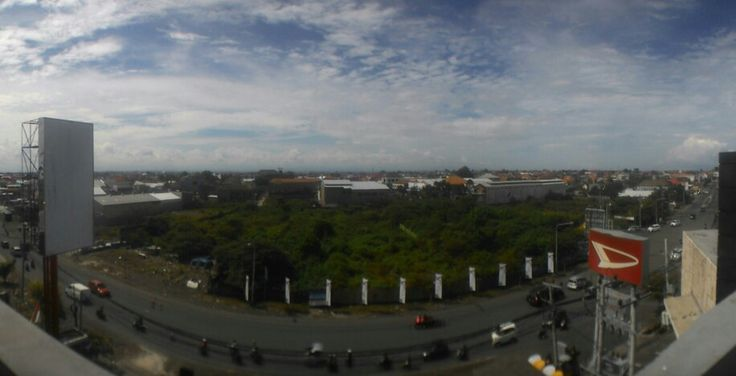Mostly cloudy, (Denpasar - Indonesia).