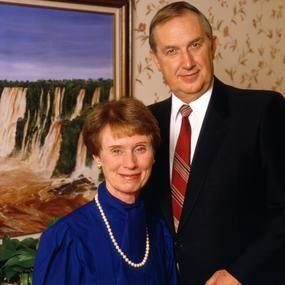Elder Richard G. Scott faleceu na manhã de 22 de setembro de 2015, aos 86 anos de idade. Entre os muitos discursos maravilhosos e inspiradores, e seu exemplo como discípulo de Jesus Cristo e testemunha especial de...