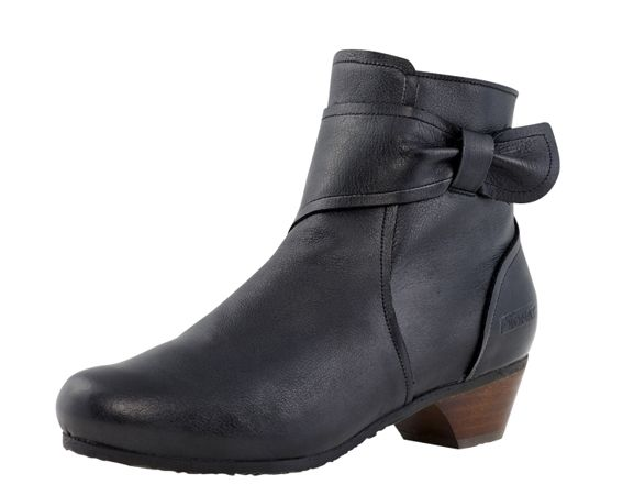 BIONAT - Leather ankle boots. Made in France.