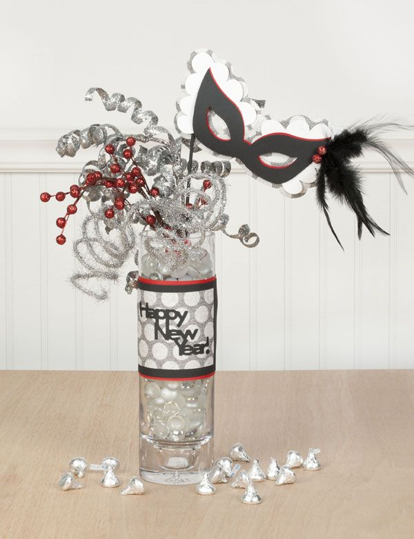 Happy New Year decor with the #Cricut