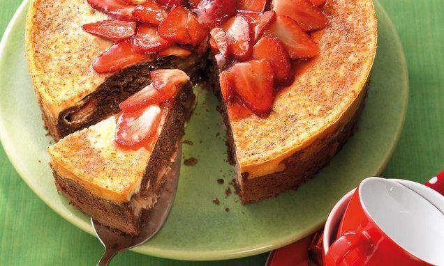 Rhabarber Kokos Kuchen Mit Erdbeeren Rezept Obstkuchen