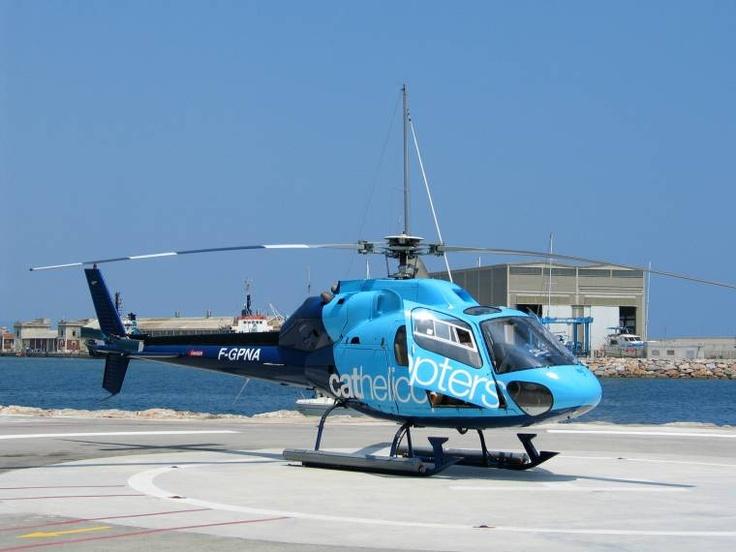 Helicóptero  Aluguel de helicóptero bh, fretamento de avião bh, taxi aéreo bh, passeio panoramico bh, fotos aérea, bh voo panoramico, fretamento de helicóptero bh, aeroporto bh, filmagens aérea bh, dia de noiva, bh eventos, bh helicóptero  www.viaaereamg.com  https://www.facebook.com/viaaereamg?ref=ts=ts