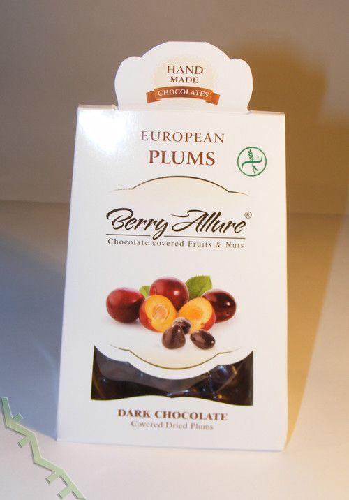 Doskonałe połączenie soczystych śliwek i belgijskiej czekolady.   Ten niewielki upominek został ręcznie wyprodukowany w Polsce. Nie zawiera glutenu.  Pozwól sobie na chwilę zapomnienia ;)  #plums #chocolate #czekolada #upominek #prezent #ymt24
