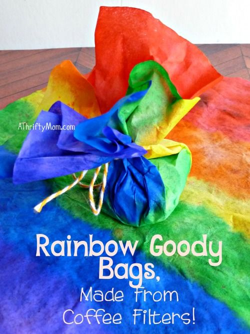 rainbow goody bags made from coffee filter, #saintpatricksday, #stpaddysday, #rainbow, #partyfavors,#rainbowgift, #rainbowsnack, #stpatricksdaysnack, #stpatricksdaygoodybags, #holiday,#thriftysnackideas, #thriftypartyfavors
