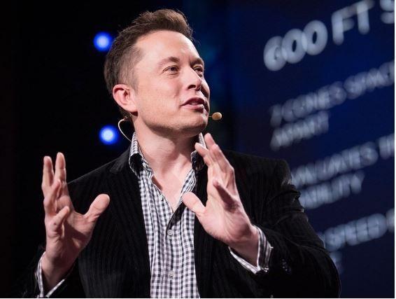 ¿Quién es Elon Musk? El Da Vinci del Siglo XXI, el Tony Stark de nuestro tiempo… Elon Musk estudió becado en la Universidad de Pensilvania Administración y Dirección de Empresas y Física. Desde Paypal a Tesla Motors y hasta las futuras expediciones en Marte. Pero, ¿Quién es Elon Musk?