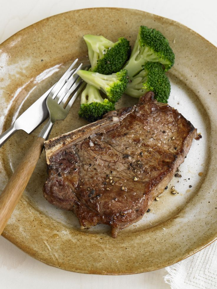 You can have steak on the #FastMetabolismDiet. Here, with broccoli.
