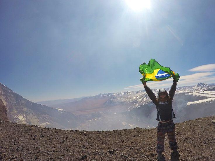 Subir montanhas é um desafio, mas subir o vulcão Lascar, a quase 5500 metros de altitude foi inesquecível! Confira as dicas pra conseguir subir também :)