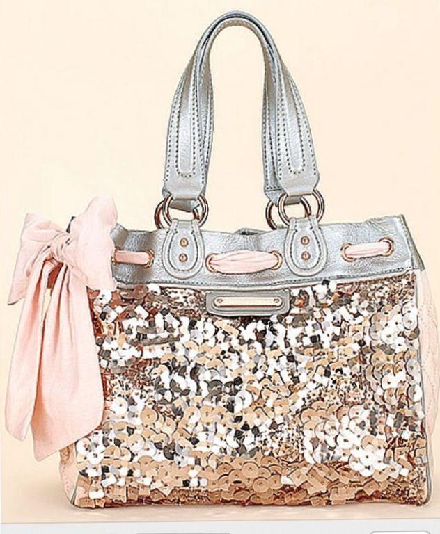 I love this coach purse