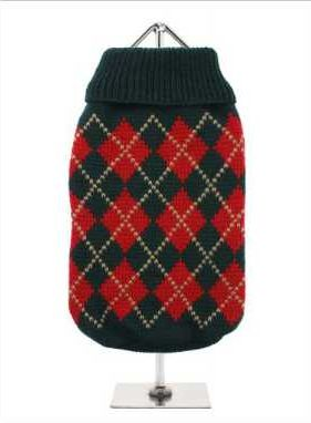 Knitted dark green sweater with a red and gold diamond pattern. The Argyle pattern has seen a resurgence in popularity in the last few years due to its adoption by Stuart Stockdale in collections produced by luxury clothing manufacturer, Pringle of Scotland. The rich Scottish heritage will give your pup a touch of class while keeping warm!
