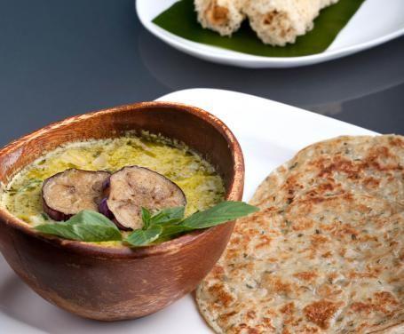 Un popolarissimo antipasto, delizioso da gustare insieme al pane arabo.