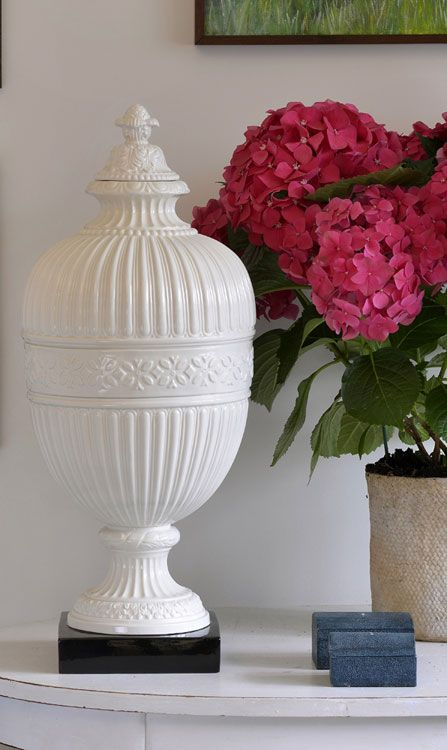 Italian ceramic jar with cream finish