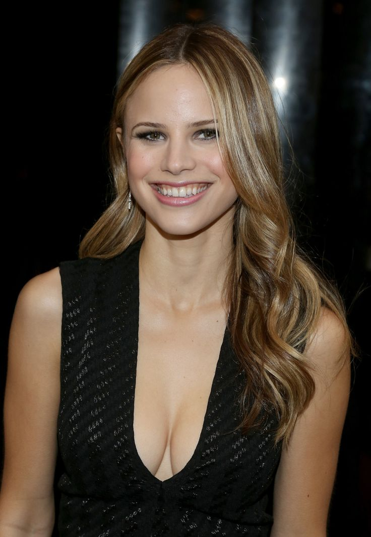 Halston Sage Nude Photos 78