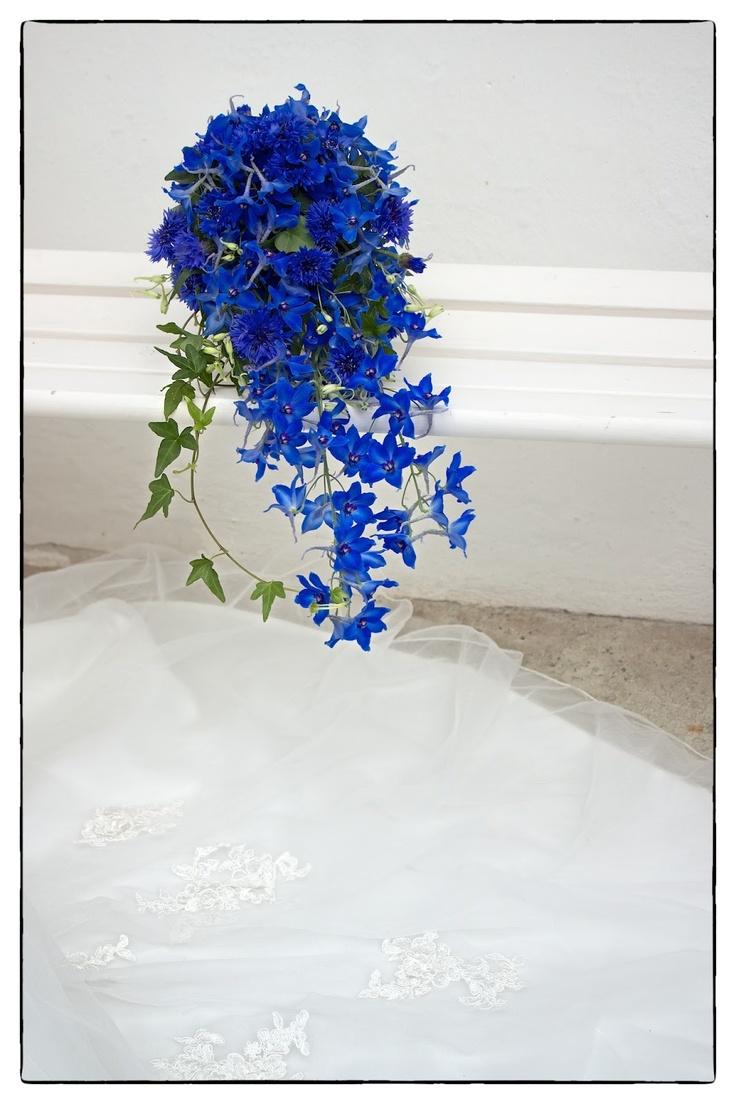 Bridal bouquet of cornflowers/  Brudbukett med blåklint