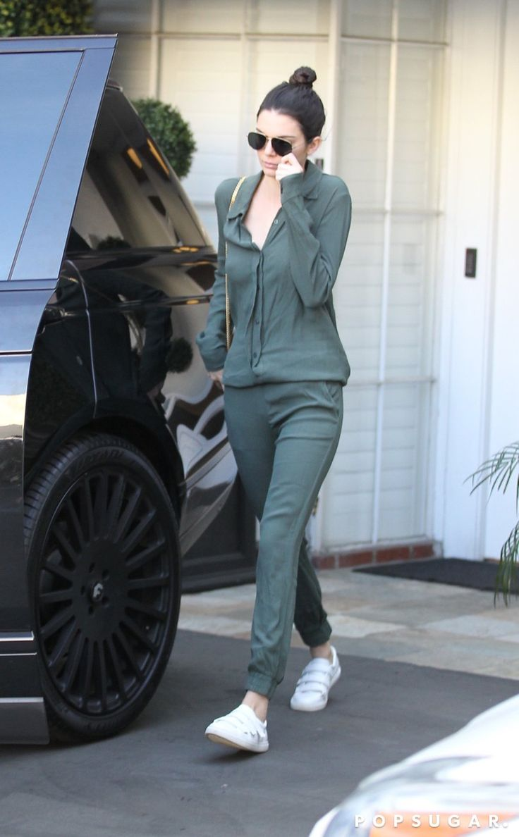 Kendall Wearing the Kingvel Sneaker