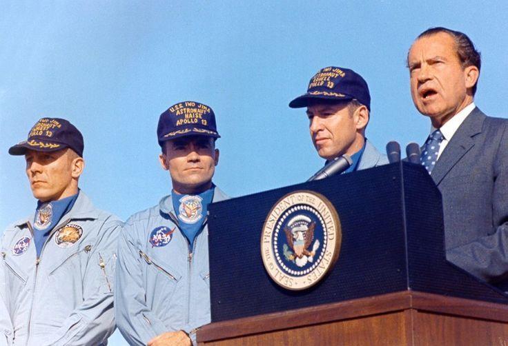 ... Haise sur Pinterest | Apollo 13, Apollo 11 et Atterrissage sre la lune