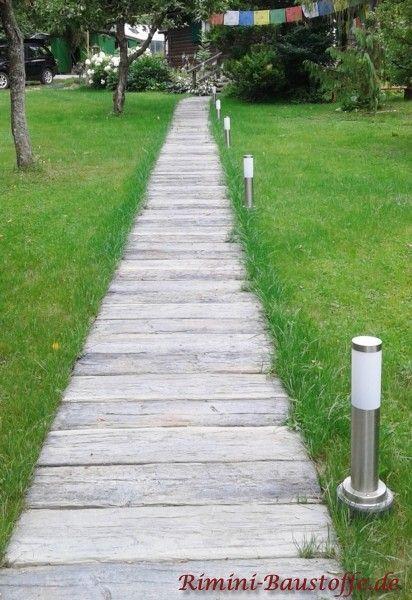 95 besten gartenwege bilder auf pinterest landschaftsbau - Rindenmulch als gartenweg ...
