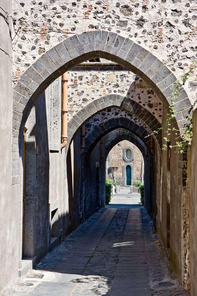Via degli Archi, Randazzo, CT, Sicilia