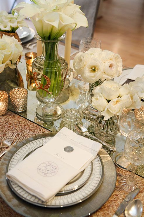 Try mixed metallics along with glass and crystal elements for a visually dynamic, glamorous tabletop.