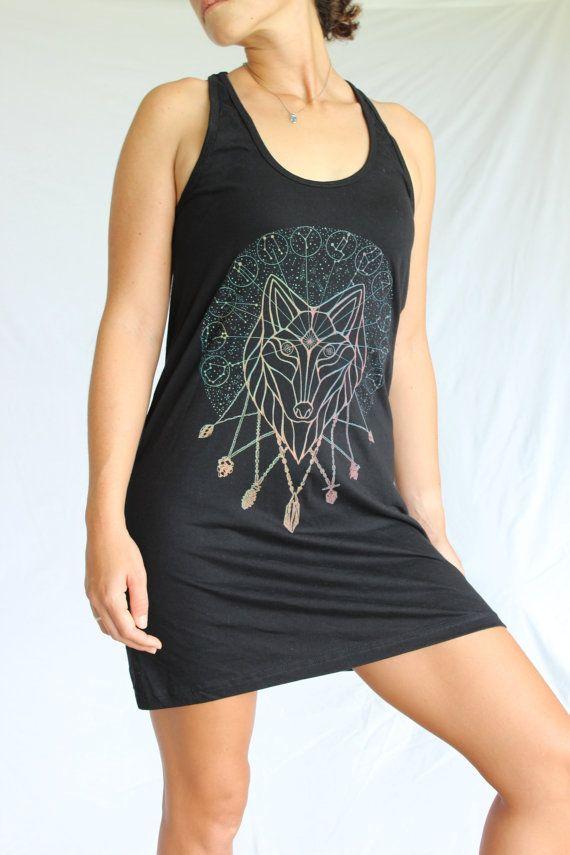 Goddelijke Wolf jurk - dierenriem sterrenbeelden. Astrologie. Crystal Kettingen. Heilige Geometrie - vurige Zeefdruk op een American Apparel jurk.