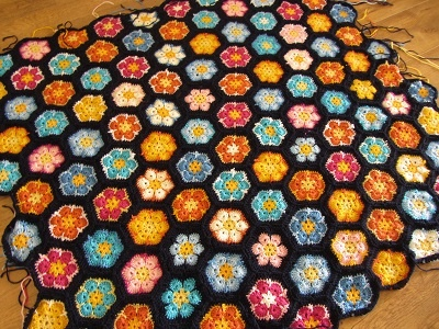 Busy fingers, busy life...: African Flower Hexagon Blanket