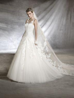 Svatební šaty Pronovias 2017 ve svatebním domě NUANCE. Model Olwen.