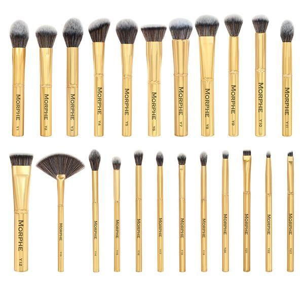 Take home the gold with the entire Gilded Collection. The 23 piece set includes everything needed to create a full face makeup look. This complete set covers it