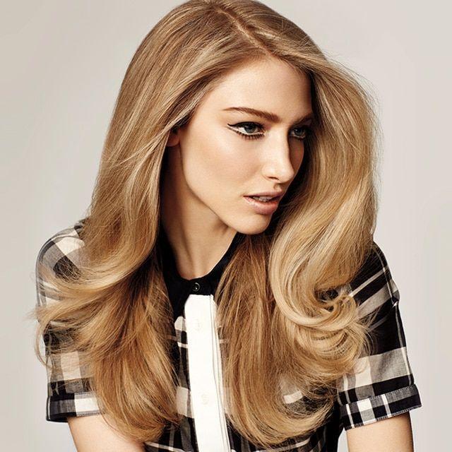 Kurzes Haar Blondine Schwalbe