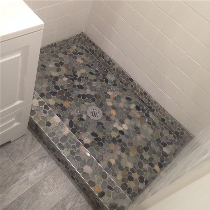 Stone Tile Bathrooms: 1000+ Images About Bathroom Pebble Tile And Stone Tile
