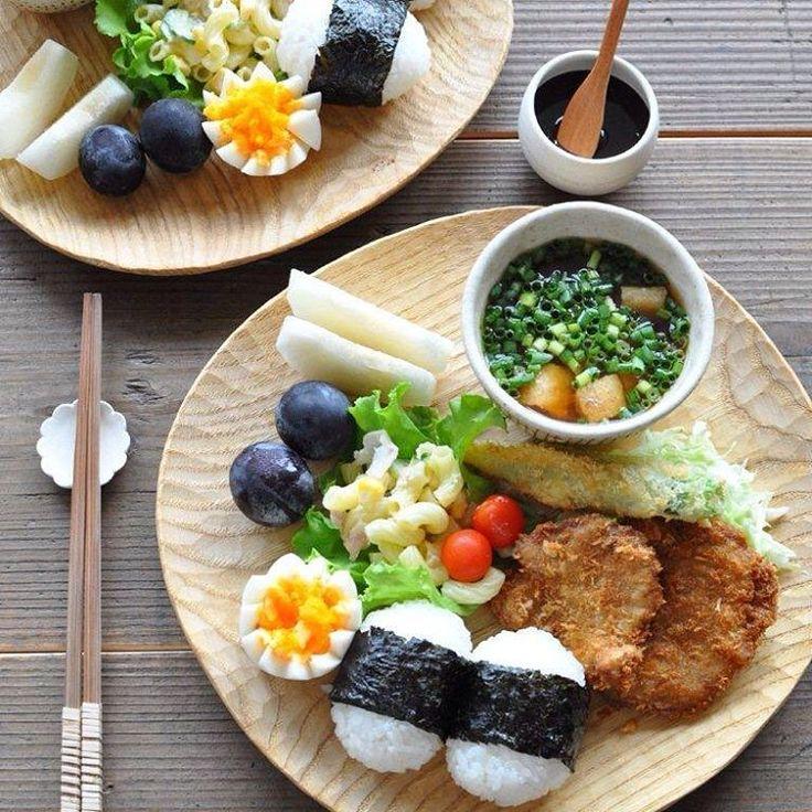 いいね!4,140件、コメント30件 ― masayoさん(@masayo_san)のInstagramアカウント: 「2016.8.22 *晩ごはん ・ ・ ヒレカツ定食で晩ごはん♩ (実家で衣までつけたのを もらってきて揚げただけ〜) ・ ・ ヒレカツ オクラフライ キャベツ マカロニサラダ ゆで卵 ミニトマト…」