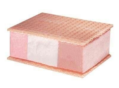 Les glaces en gaufrette.... les meilleures...5o centimes....