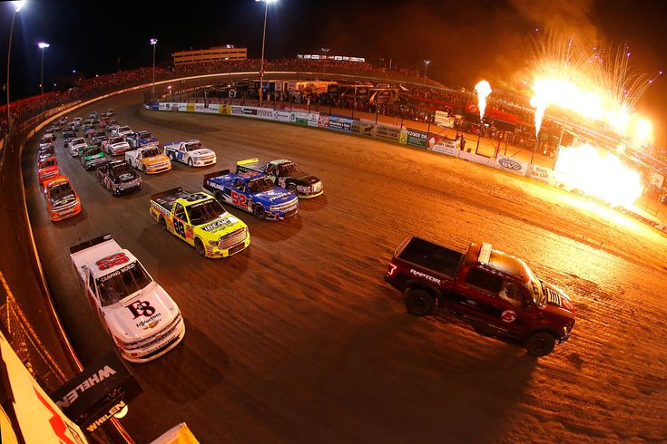 """Kenny Wallace: """"I actually think the fans have kinda migrated to dirt racing."""" https://racingnews.co/2017/12/21/kenny-wallace-on-nascar-dirt-racing-the-roval-and-costs/ #eldoradirtderby"""