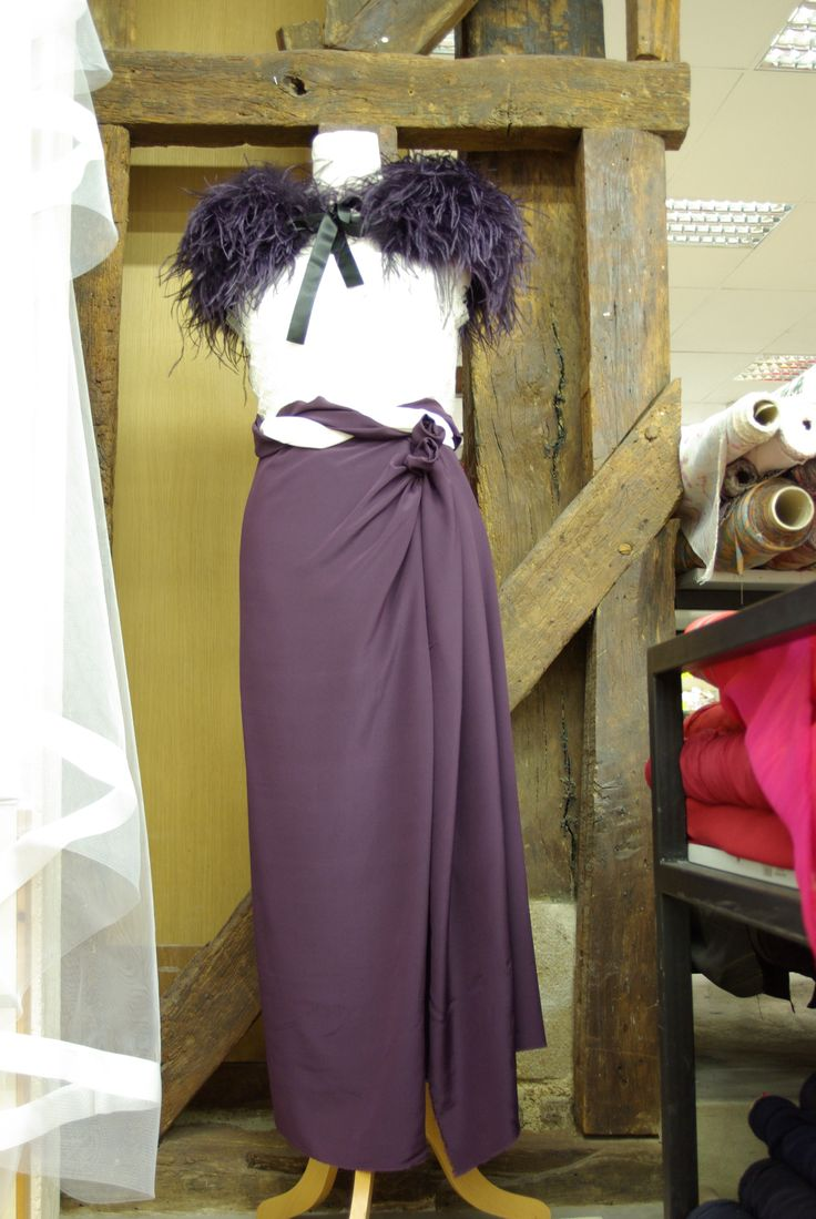 Idée par Ellen Décoration d'une tenue de soirée habillée.