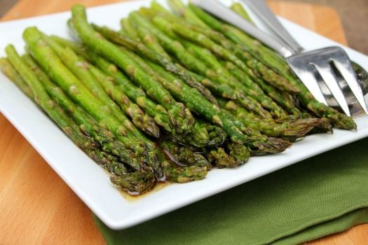 Broiled asparagus with balsamic-butter sauce recipe