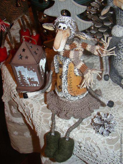 Тепло одетая овечка) - коричневый,бежевый,кудрявая,овца,год козы овцы