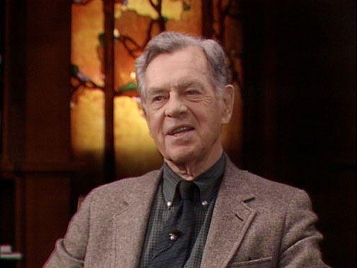 """Joseph John Campbell (26 maart 1904 – 30 oktober 1987) was een hoogleraar in de mythologie en schrijver. Daarnaast gaf hij tot vlak voor zijn dood vele lezingen. Het bekendst werd hij als kenner van mythes en vergelijkende godsdienstwetenschap en filosofie van de religie. Hij liet een groot oeuvre achter, dat vele aspecten van menselijk ervaren bestrijkt. Zijn denkwijze wordt vaak samengevat in zijn levensmotto Follow Your Bliss, oftewel """"Volg je hart""""."""