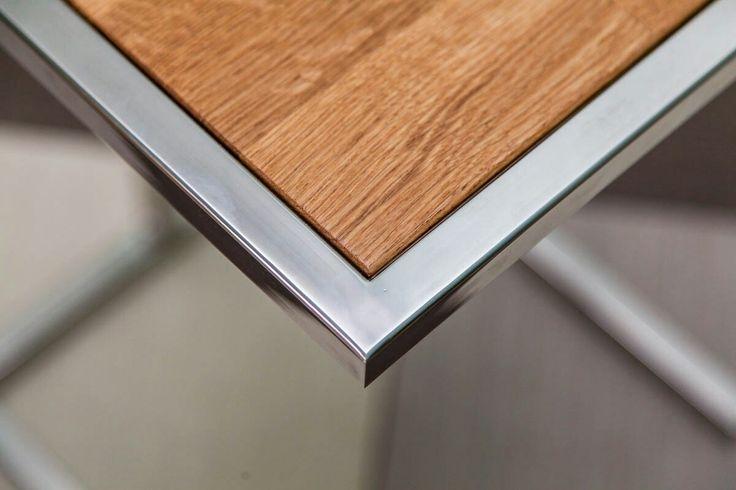 Уловой элемент кофейного столика, полированная нержавеющая сталь, дуб.