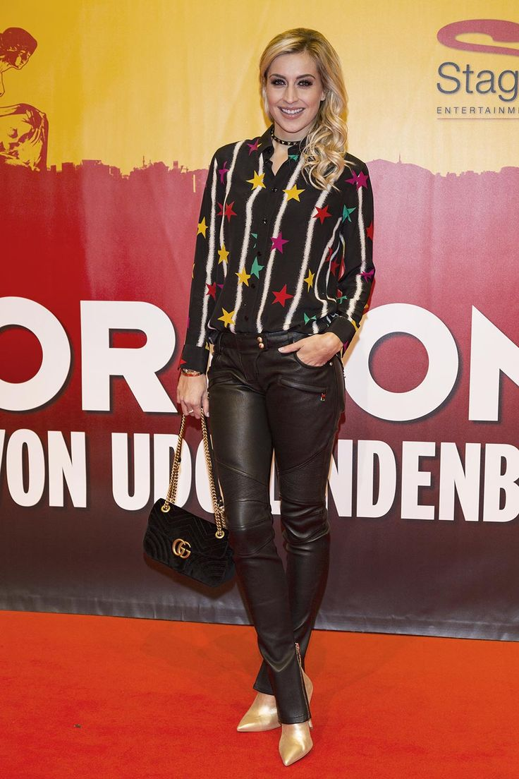 Verena Kerth attends the red carpet at the Hinterm Horizont Musical premiere