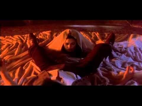 Bram Stoker's Dracula / Annie Lennox - Vampire Song (Movie Music Video)