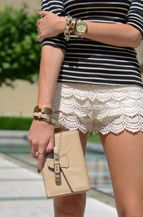 lace shorts and stripes! I need to so make shorts like these...if you want to know how to make them look at my board DIY...THEY ARE SO CUTE