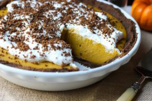 {Almost} No-Bake Pumpkin Pie that is quick, easy and delicious - an allergen-free dessert everyone can enjoy, that's also healthy! Dairy free, egg free, gluten free, grain free, paleo, soy free, and vegan. //From Jessica's Kitchen