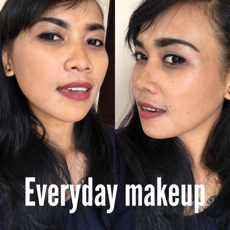 Make Up Natural Untuk tampil Cantik Alami.  Terlihat cantik setiap hari mungkin jadi salah satu keinginanmu belakangan ini. Mau sih, cuma masih bingung gimana tampilan yang bisa mewujudkan hal itu? Gimana kalau makeup yang natural? Enggak terlalu banyak pakai ini itu, tapi tetap bikin kamu terlihat cantik. Langsung simak aja video tutorial berikut ini.