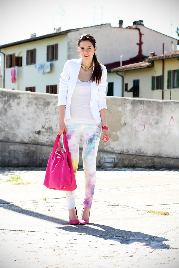 pantaloni pastello | giacca bianca | borsa fucsia | decollete fucsia | scarpe fucsia | scarpe rosa | fashion blog | fashion blogger | salsa jeans  Multicolor pastel jeans a pink bag and shoes and white blazer: here my look of the day!  www.ireneccloset.com