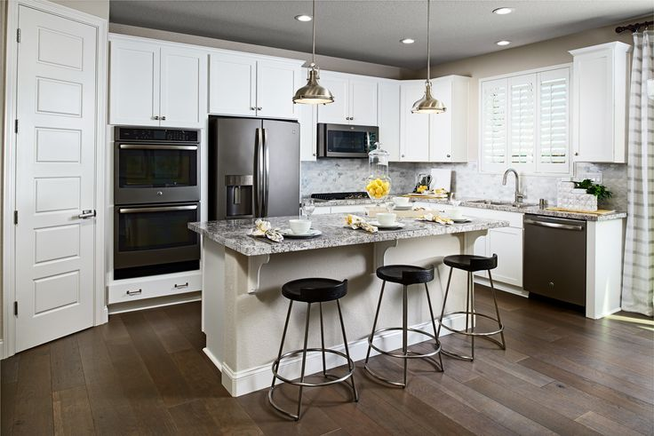 Breakfast, lunch or dinner at the elegant island? | Lance model home | Oakley, CA | Richmond American Homes